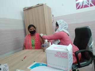 सीतापुर : महिला अस्पताल और मिश्रिख सामुदायिक स्वास्थ्य केन्द्र पर बनेंगे महिला स्पेशल बूथ