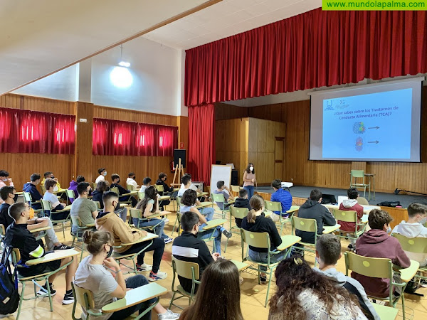 El Cabildo imparte talleres de prevención de trastornos de conducta alimentaria a estudiantes de Secundaria