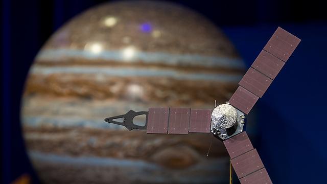 Ilustración artística de la sonda Juno en órbita alrededor de Júpiter (Foto: NASA)