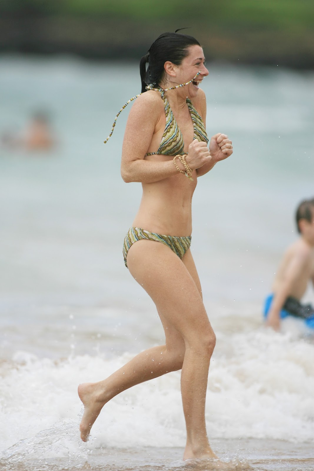 alyson hannigan naked on a beach