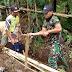 Jelang Musim Hujan, TNI dan Masyarakat Bangun Fasilitas Drainase di Desa Gucialit