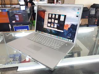 "MacBook Pro 2008 Core2 Duo 2.4GHz 17"" HDD 320GB RAM 4GB"