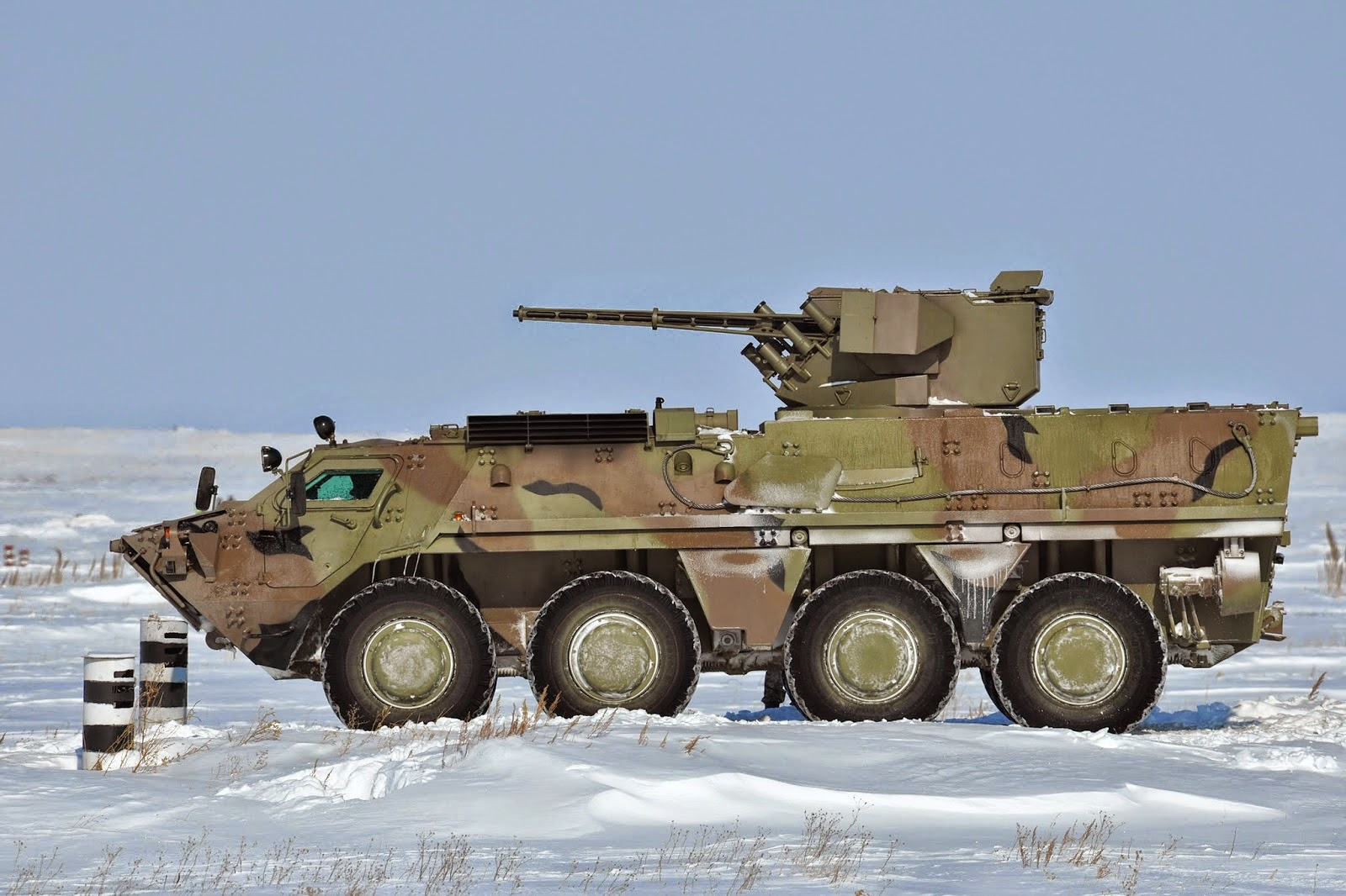 BTR-4E_Ladja_Ukrainian%2Barmored%2Bpersonnel%2Bcarrier_Made%2Bin%2BUkraine_43 Топ-10 новейших образцов оружия и военной техники России