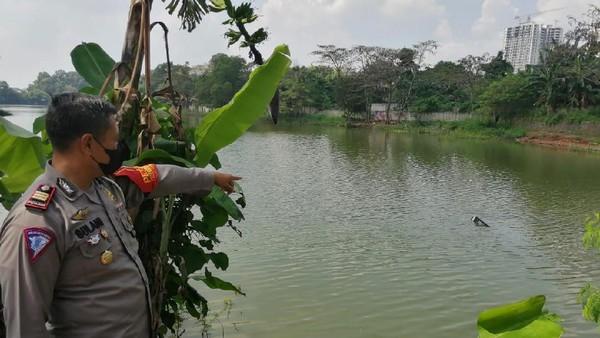 Kronologi Pesawat Latih Oleng Lalu Jatuh ke Danau Cibubur