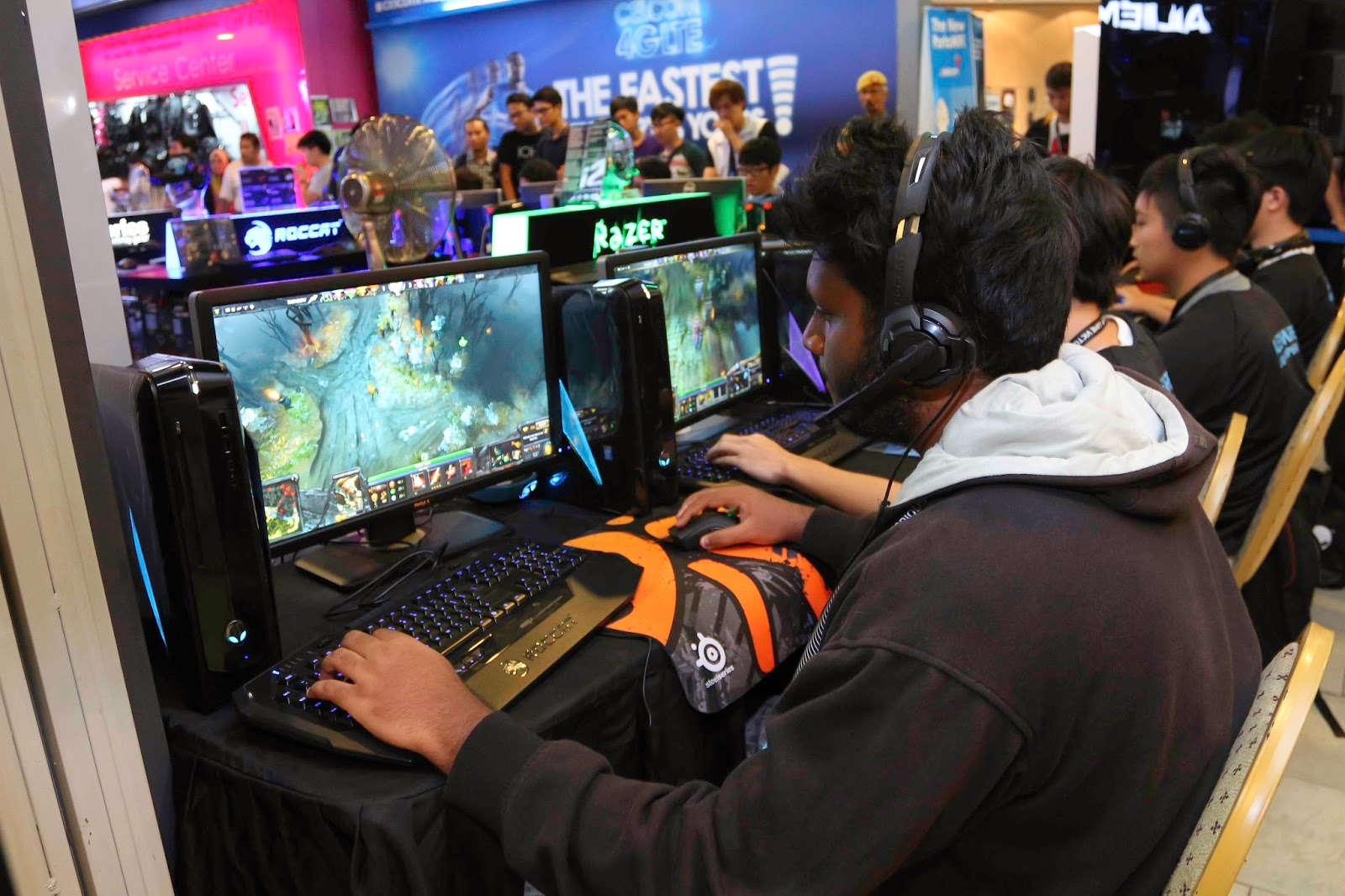 Malaysia's Leading Gamers Battle It Out at Alienware Tournament Alienware and Genysis Cyber E-sport Joined Forces for Alienware LAN Championship 13