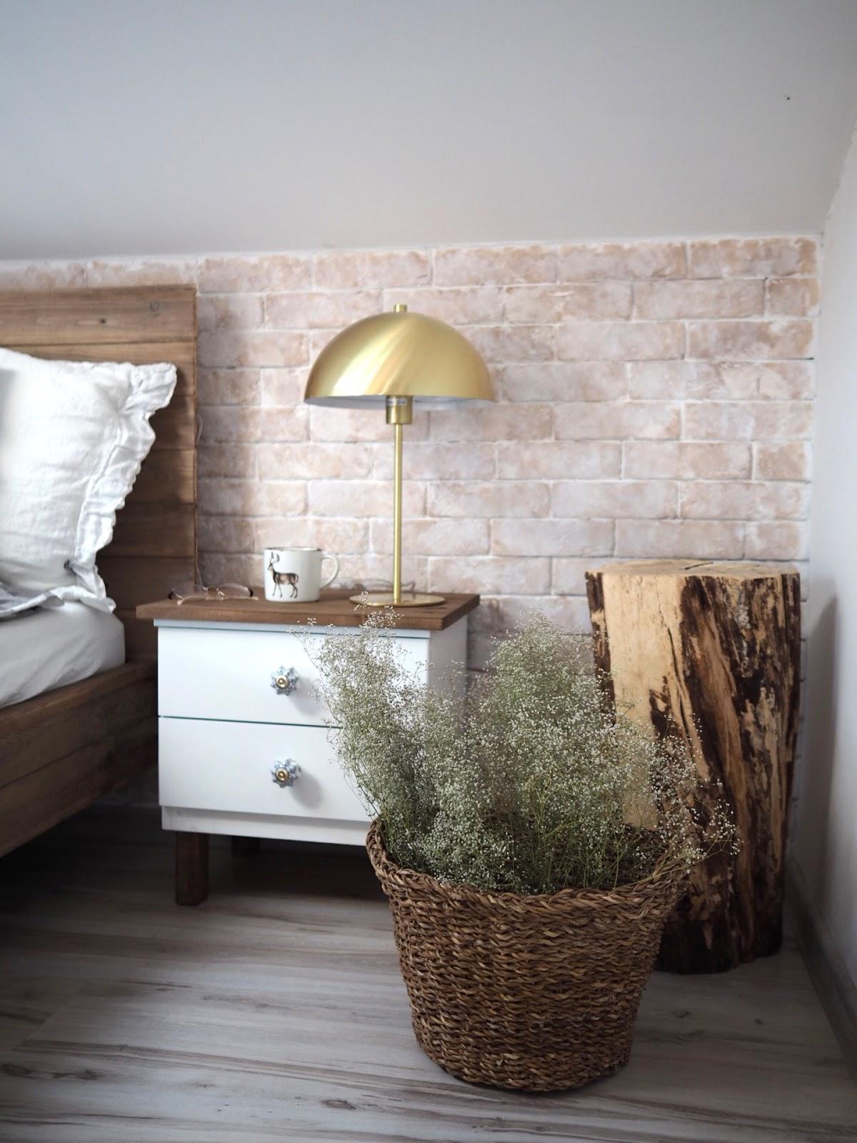 Szafki, które robią różnicę, czyli kolejne DIY w sypialni