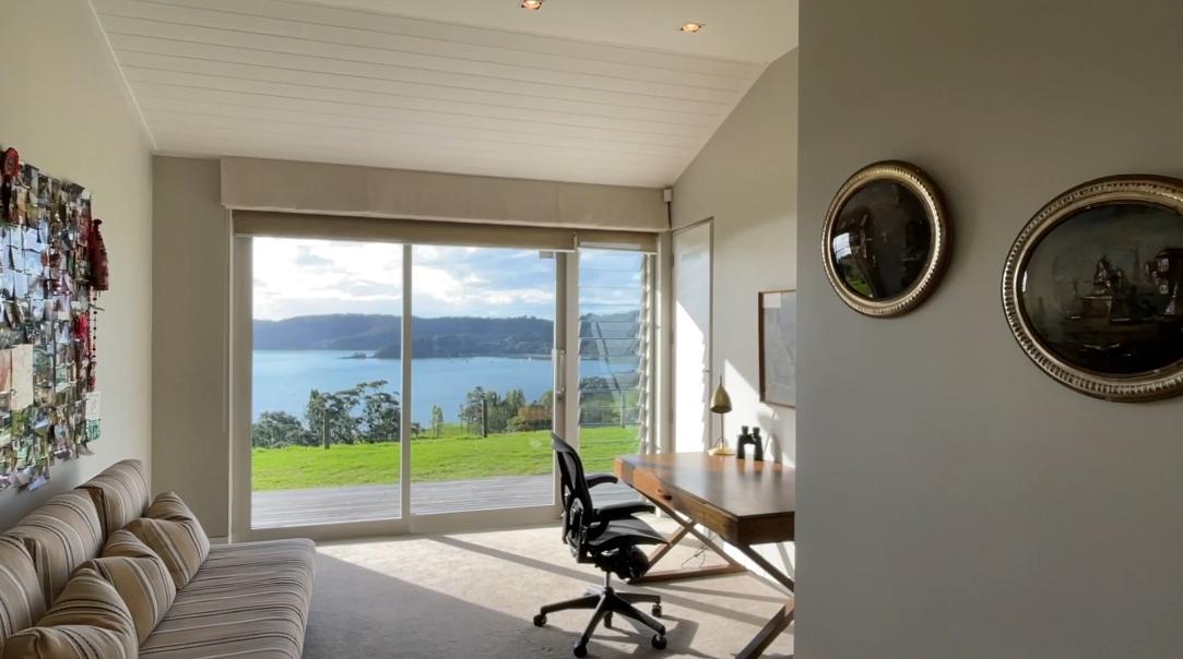 25 Interior Design Photos vs. 345 Gordons Rd, Waiheke Island Luxury Home Tour