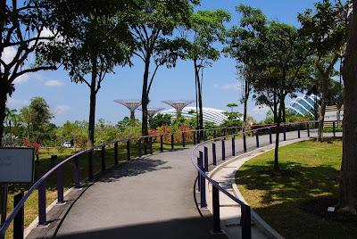 Wejście do ogrodu Gardens By The Bay
