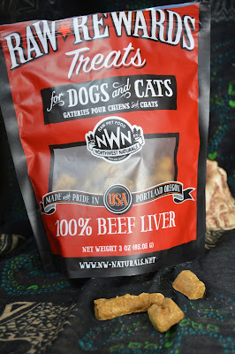 Freeze dried raw liver training treats for dogs and cats