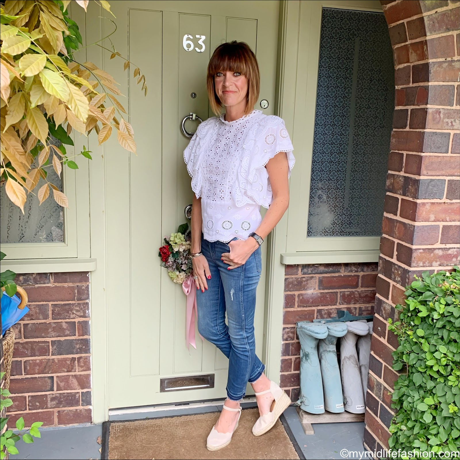 my midlife fashion, monsoon broderie anglaise frill blouse, j crew straight leg jeans, carl scrap Brittany beige metallic sandals