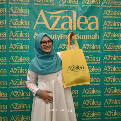 Azalea Zaitun Oil with Rosehip Oil dan Azalea Intensive Skin White Hydrogel