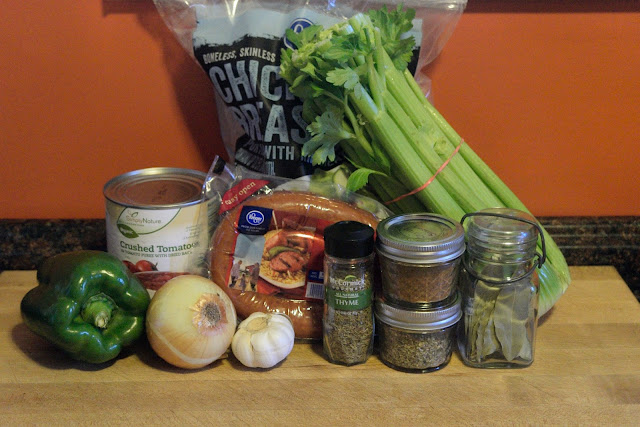 The ingredients needed to make the crockpot jambalaya.