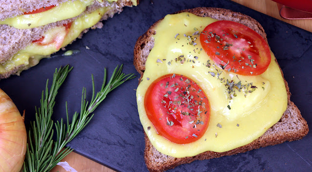 Queijo de batata, alternativa ao queijo mais saudável e barata. Queijo quente vegano de batata por Pensando ao contrário por Camila Victorino