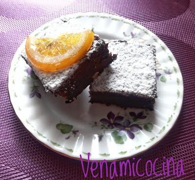 Brownie con Naranja y Nueces