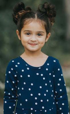 طفلة جميلة صغيرة بدريس شكله تحفه اوى ، غمازة عسل