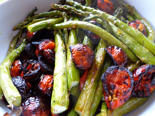 mixed baked asparagus and cherry tomatoes