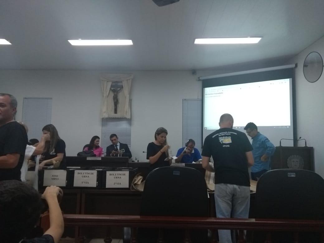Com 57% dos votos, Bolsonaro lidera votação no primeiro turno em Espírito Santo do Pinhal