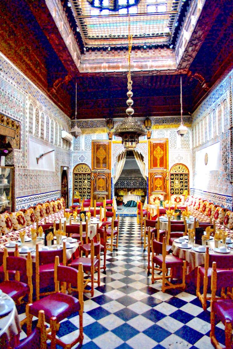 Marrakesz, Marrakesz najlepsze restauracje, Marrakesz gdzie zjeść, jedzenie w Maroko, Marrakesz tagine, Marrakesz Hitchcock, Maroko co zjeść, Dar Es Salam film