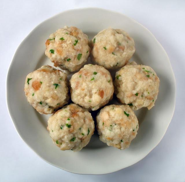 Brezelknödel/Pretzel Dumplings