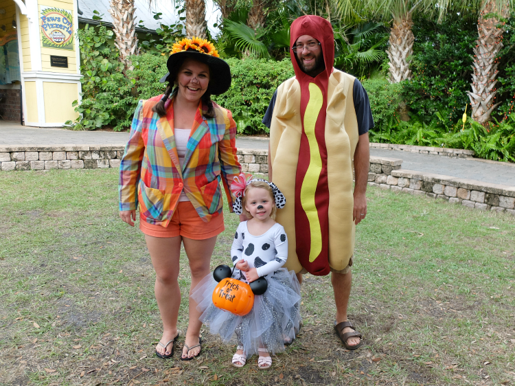Brevard Zoo, Boo at the Zoo, Halloween, DIY Scarecrow costume, hot dog costume, DIY Dalmation costume
