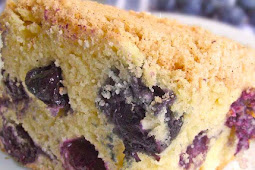 Easy and Delicious Blueberry Buckle