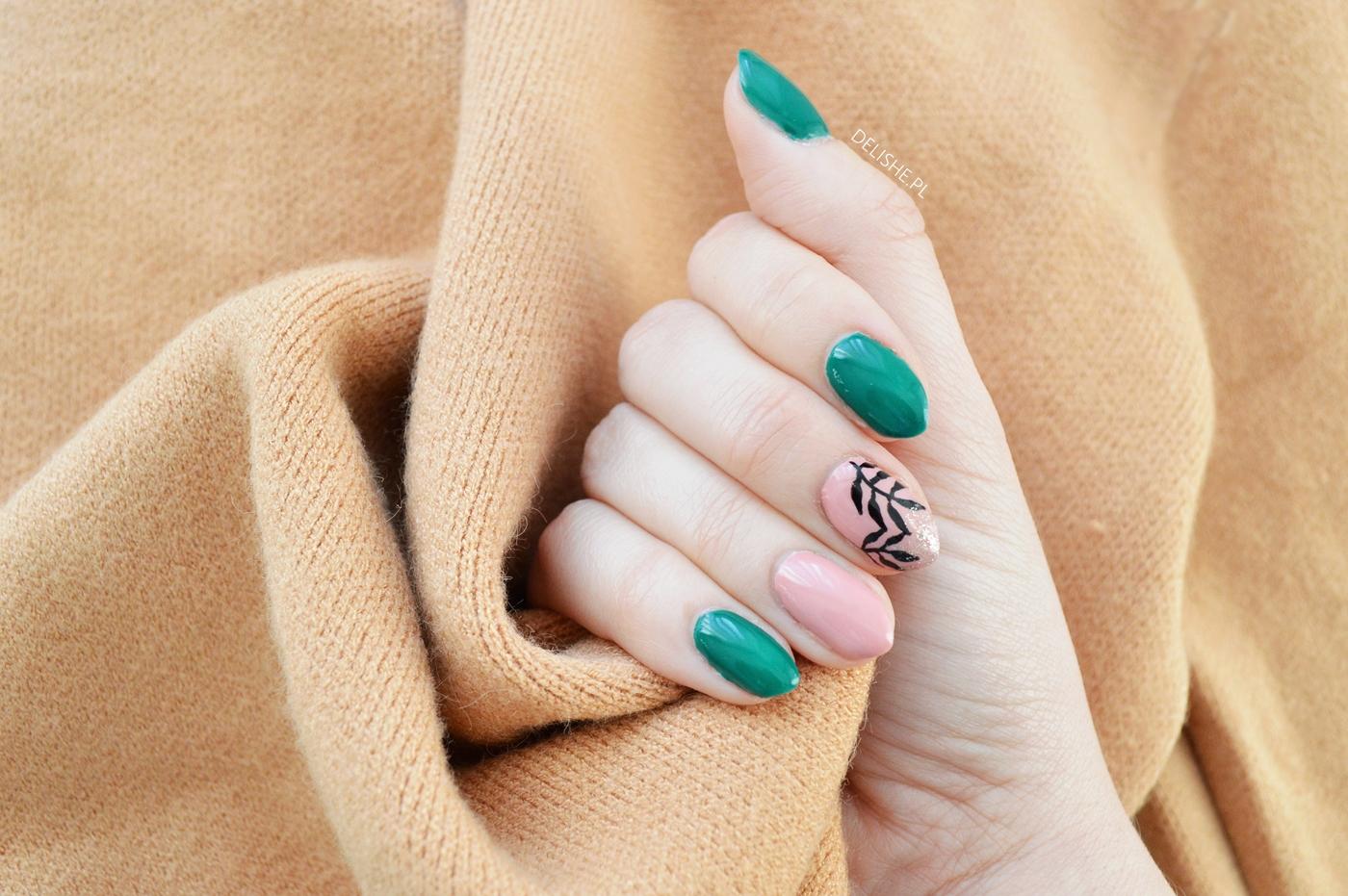 Prosty Manicure Na Jesien Butelkowa Zielen W Roli Glownej