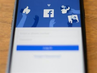 التصميم الجديد لفيسبوك يصل إلى عدد من المستخدمين