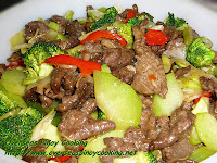 Beef with Broccoli and Choko Stirfry