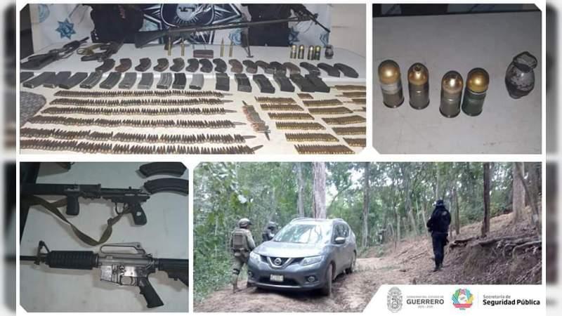"""Aseguran granadas, miles de balas y Barret """"hechizo"""" en Petatlán, Guerrero"""
