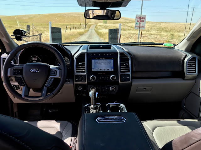 Interior view of 2019 Ford F-150 4X4 Super Crew Limited