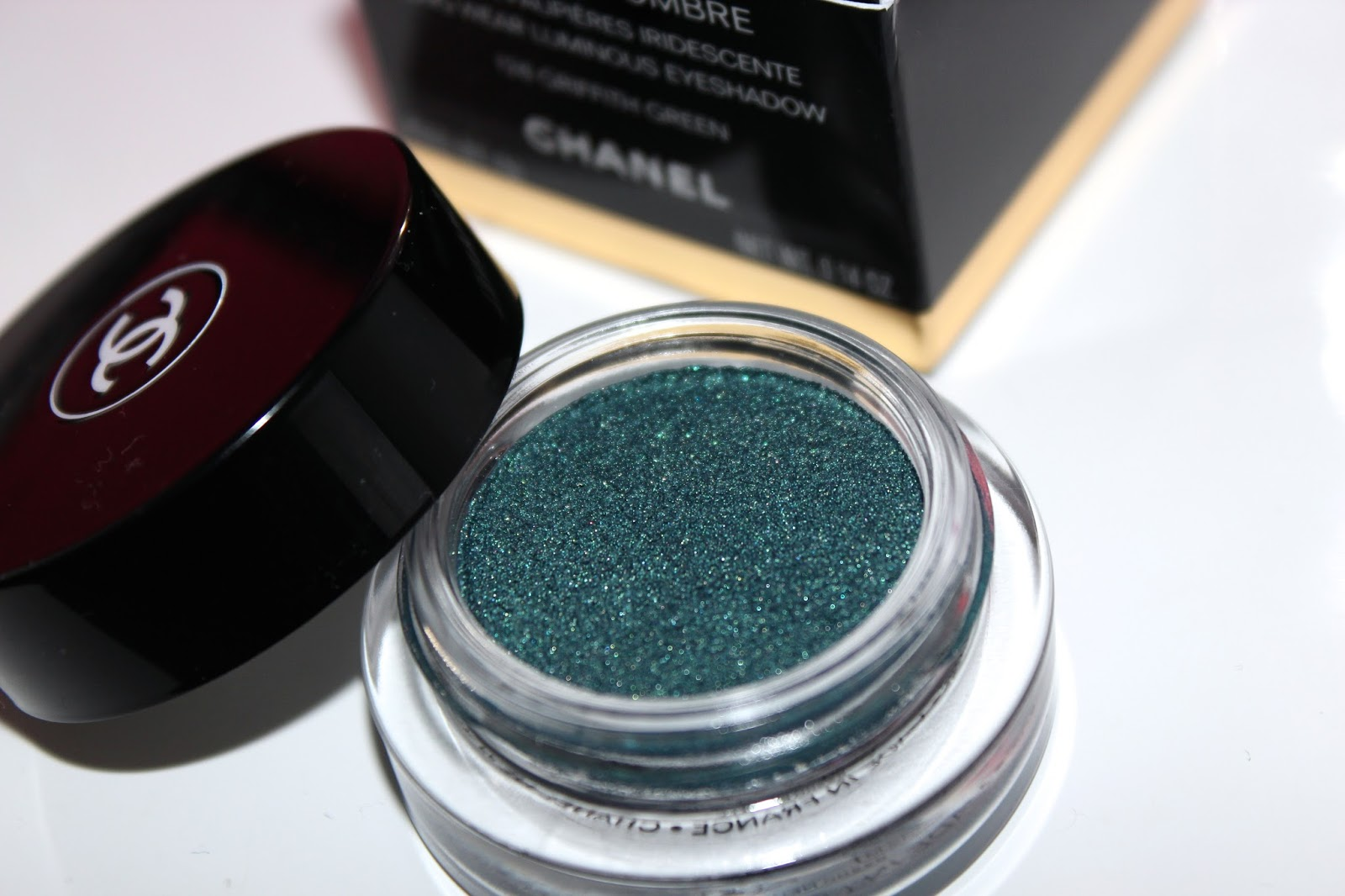With This Eyeshadow, You Can Either Use A Brush Or Your Fingers To Apply  Ites With A Small Angled Eyeshadow Brush But I'd Prefer To Use My  Fingers As