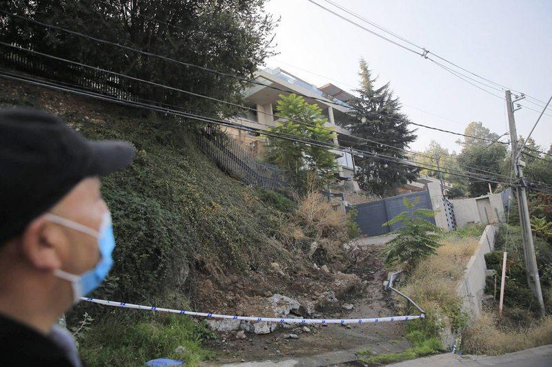 Municipalidad aclara la caída de un muro en el condominio de Alexis Sánchez en Lo Curro