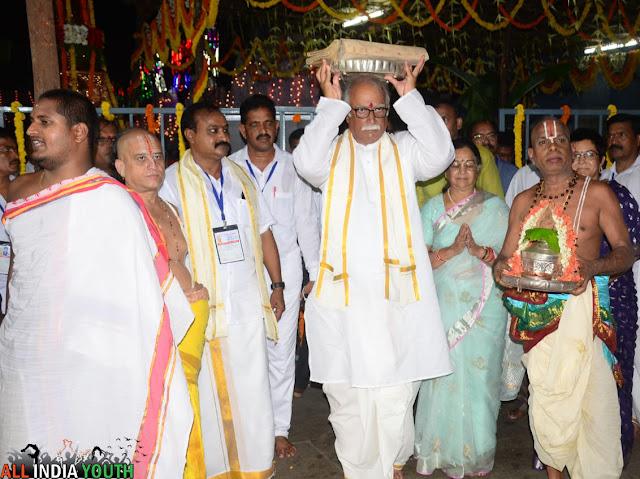 Pusapati Ashok Gajapathi Raju Praying to God