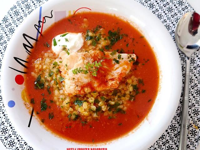 Pomidorowa zupa rybna z pieczonych pomidorów - Czytaj więcej »