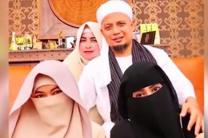 Keanehan Kelompok Liberal dan Ahoker, Membully Poligami Arifin Ilham Tapi  Mendiamkan Pesta Gay