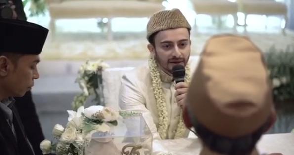 Farhad Dan Hamidah Saling Janji Setia