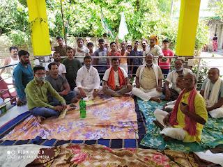 दौलतपुर गांव में जनता दल यूनाइटेड के विभिन्न प्रकोष्ठों के द्बारा सभा का आयोजन