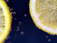 cara ampuh mengatasi komedo dengan lemon