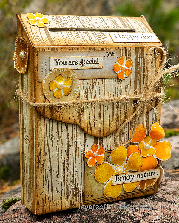 Layers of ink - Autumn Postbox Tutorial by Anna-Karin Evaldsson.