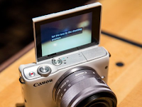 How to Set a Canon M10 Camera