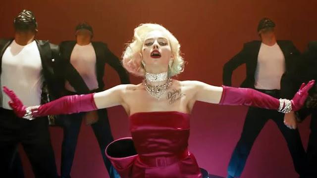 Margot Robbie como Arlequina