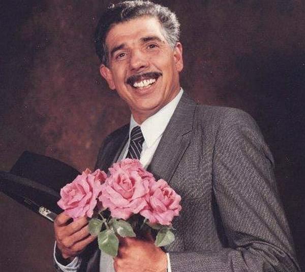 """""""E agora, quem poderá me defender?"""". O mundo perdeu hoje mais um grande ator, Rubén Aguirre - Professor Girafales, do seriado Chaves"""