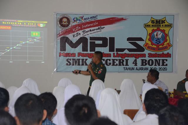 Melalui Kegiatan MPLS, Dandim 1407/Bone Berikan Motivasi Kepada Siswa Baru SMKN 4 Bone