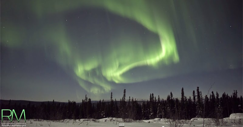 Borealis The Northern Lights In Real-time, Ultra Hd - Snow