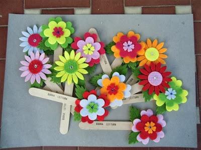 Bellezza in ricicletta fiori di feltro e segnalibri for Lavoretti con abbassalingua