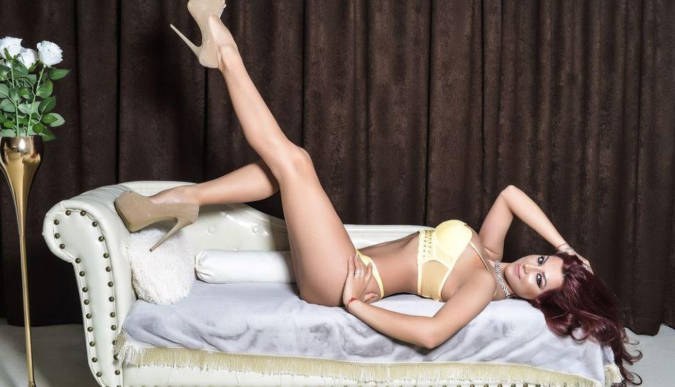JuicyAlicee Model GlamourCams
