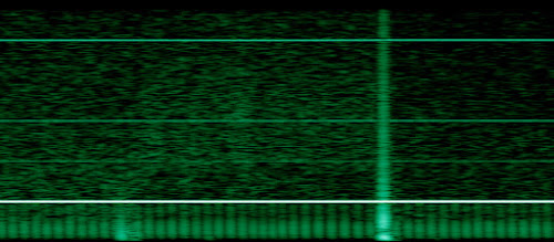 [Image: Spectrogram with a regularly pulsating signal.]