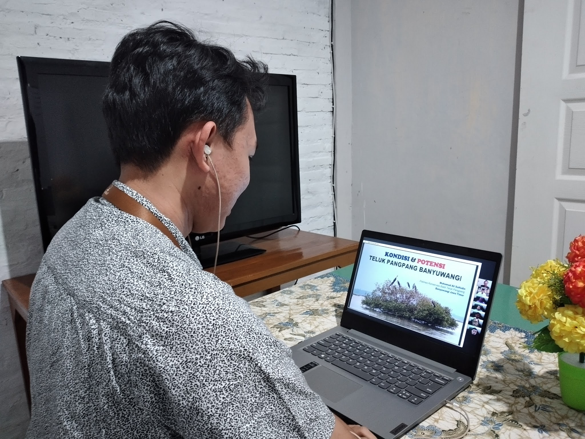 IKAMaT, UNDIP dan CIFOR Sukses Gelar Lokakarya Daring Benchmark Banyuwangi, Banten dan Demak