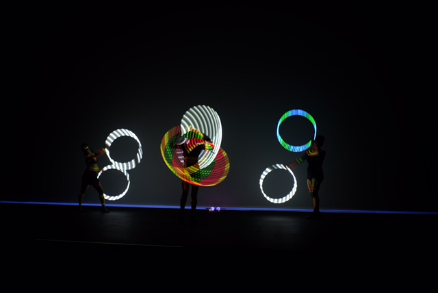 Show led neon fluorescente para evento corporativo de premiação Part Club em São Paulo