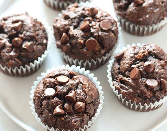 3 Ingredient Healthy Chocolate Muffins #chocolate #desserts